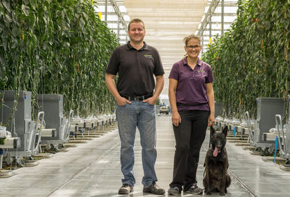 Cam Lyons, Tina Heide és Chili, a világ első kártevőfelderítő munkakutyája