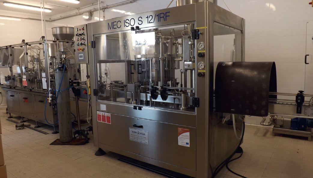 A palackozógép 800 palack pezsgőt készíthet óránként  Fotó: Dr. Kopcsay László