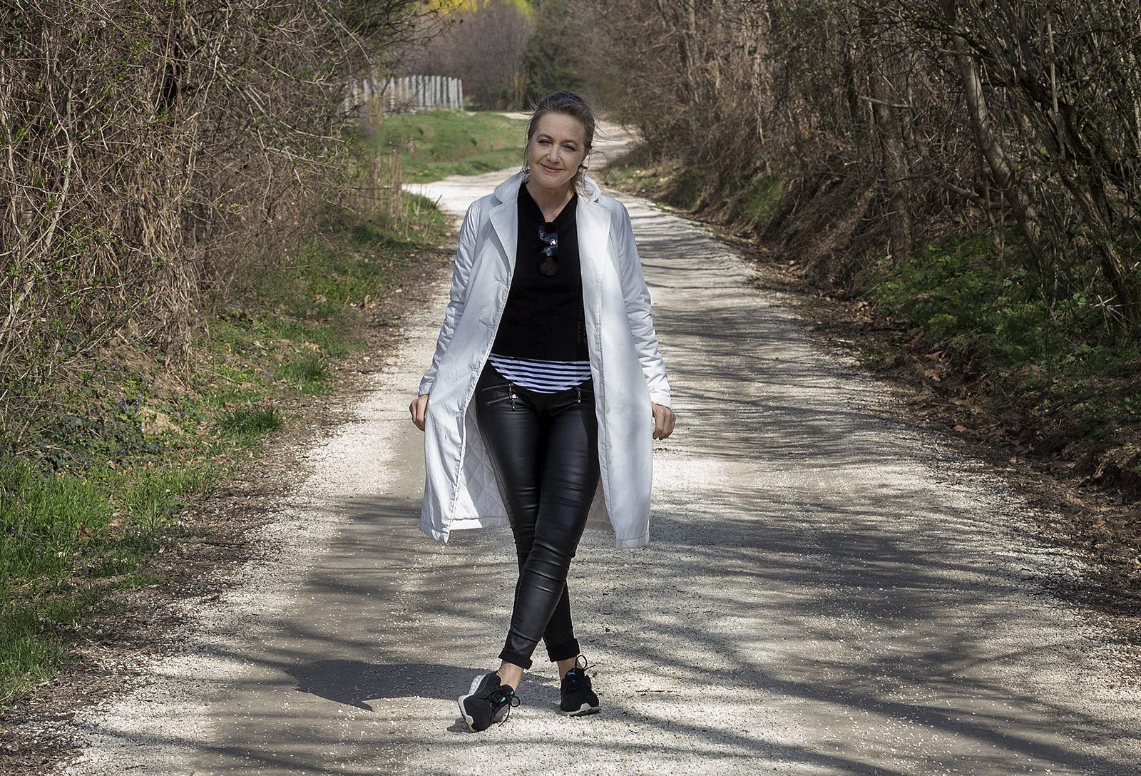patak társkereső fiatal nő ír társkereső oldalak Angliában